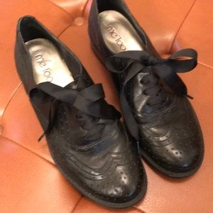 Me Too Leather Black saddle oxfords size 7